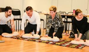 Övning i Hjärt-lungräddning.